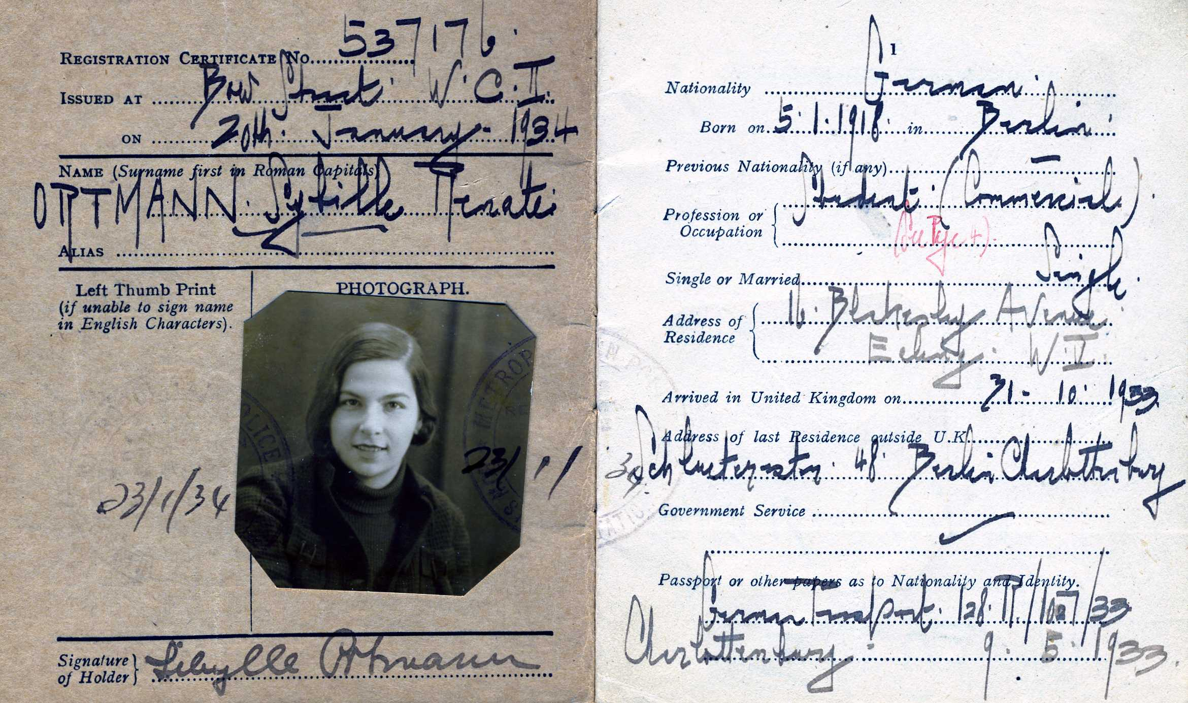 Refugee card of Sybille Ortmann (1934)