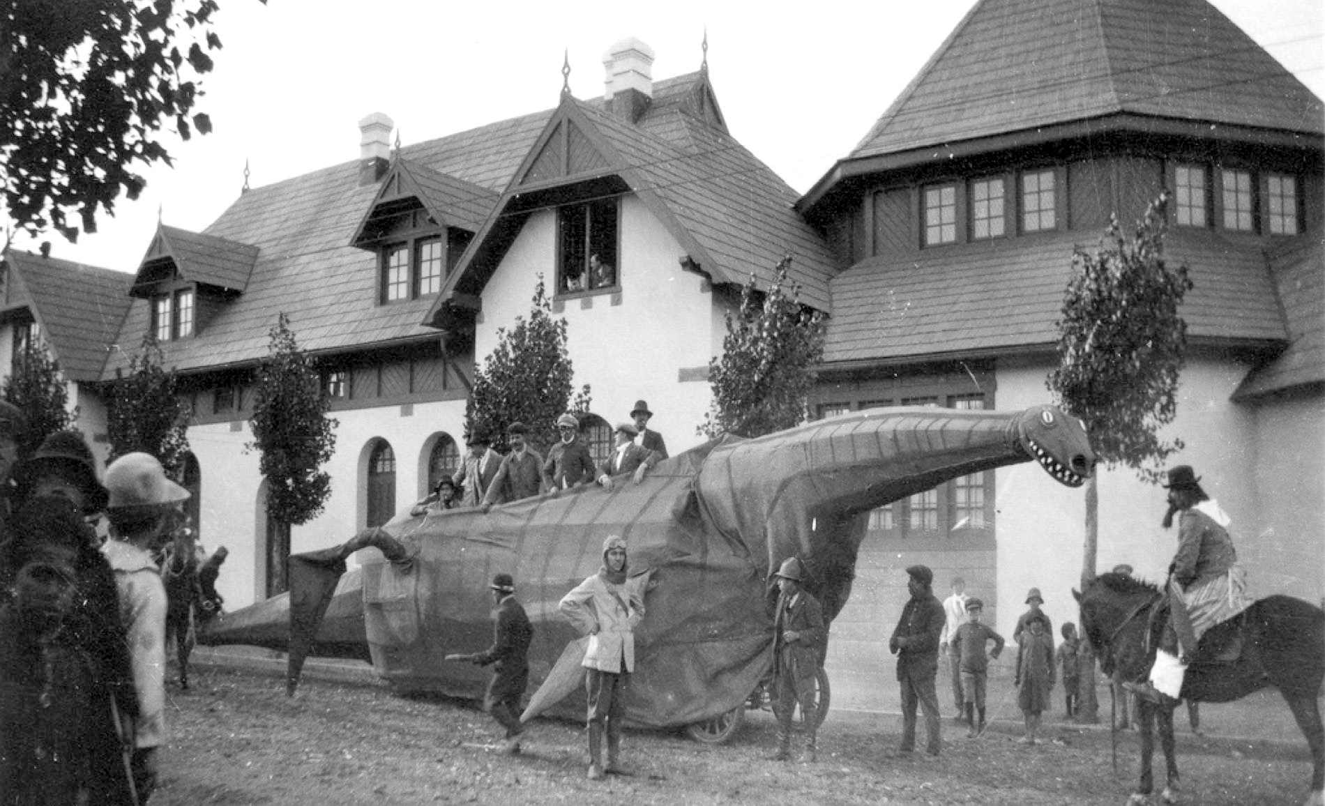 Carnival float of Plesiosaur (1923)