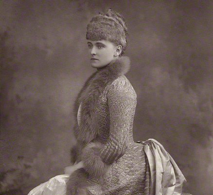 "portrait of Frances Evelyn ""Daisy"" Greville, Countess of Warwick (1889)"