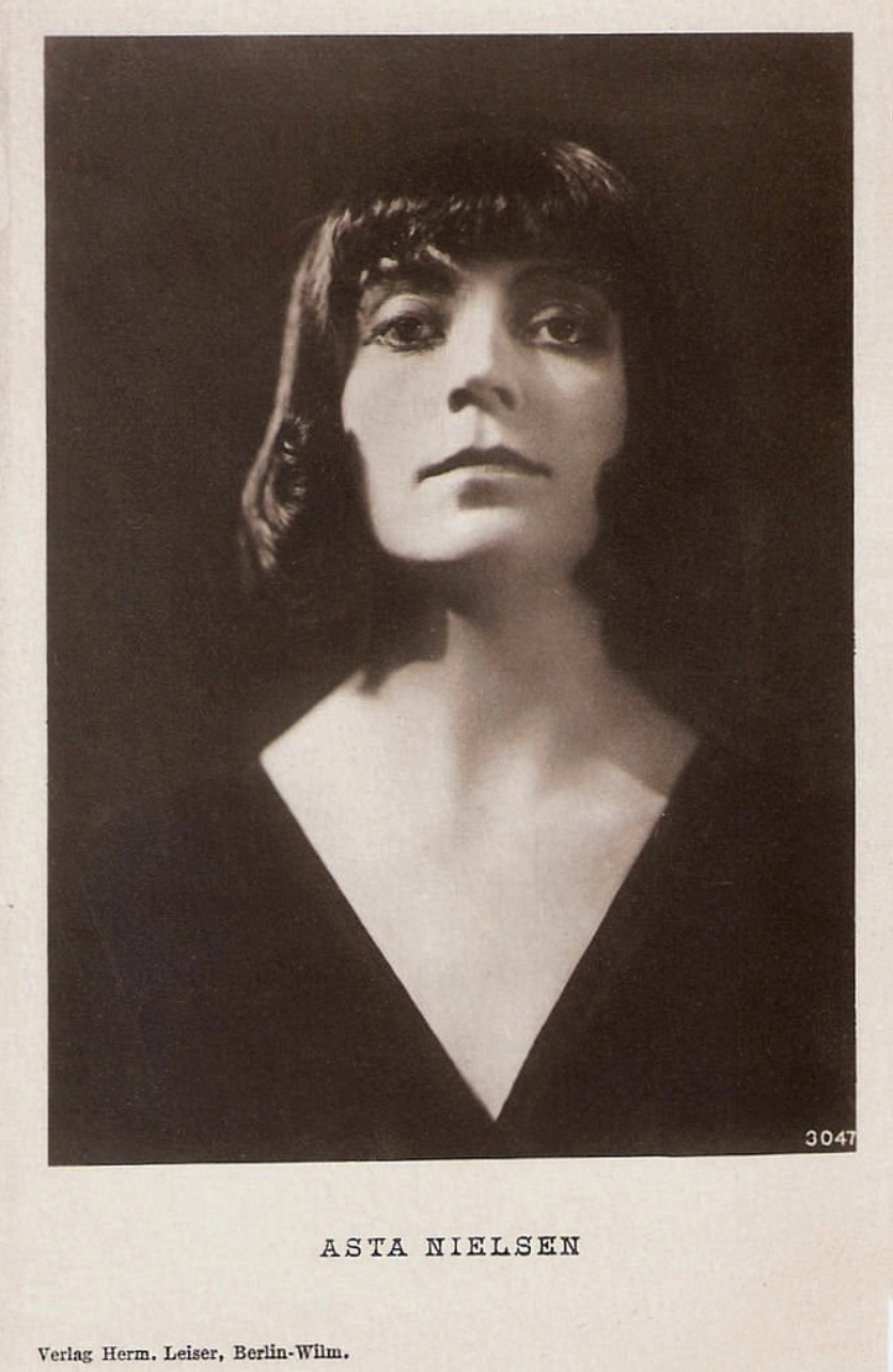 Photographic portrait of Asta Nielsen, s.d.