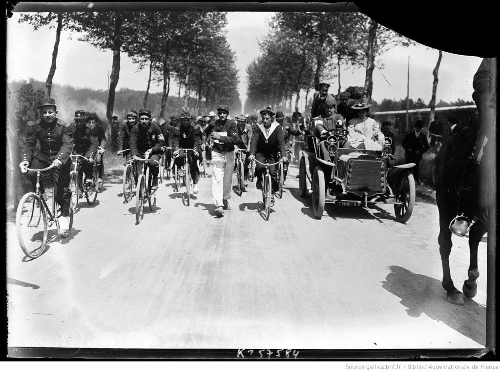 Photographic picture of La Marche de l'Armée (1904)